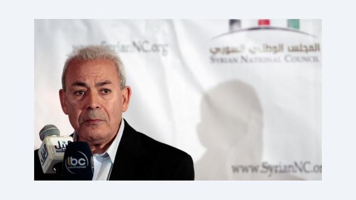 خالد الحروب: لماذا يريد نقاد غليون أن تبقى سوريا حديقة خلفية لإيران وسياساتها؟