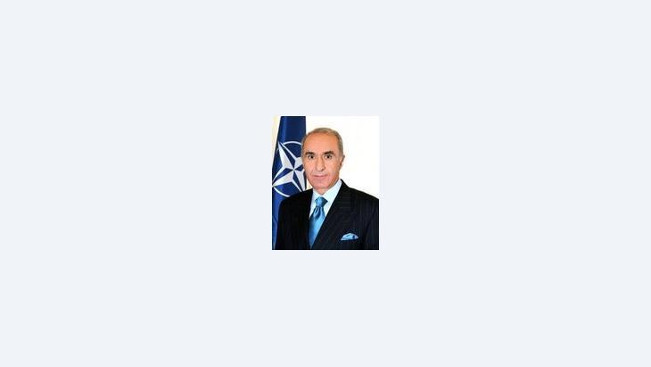"""حكمت تشيتين، الممثل السابق لحلف شمال الأطلسي """"ناتو"""" في أفغانستان، الصورة: ناتو"""