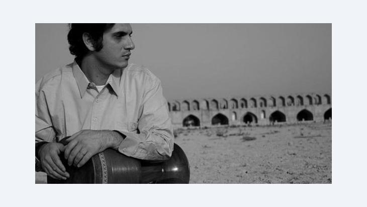 عازف الإيقاع الإيراني محمد رضا مرتضوي الصورة ويكيبيديا