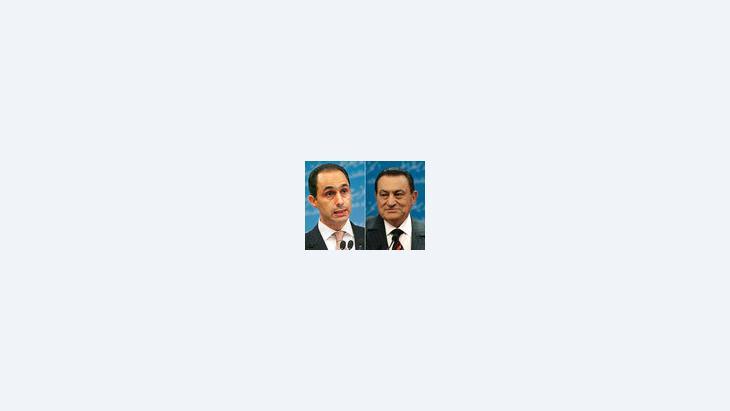الرئيس المصري محمد حسنى مبارك وابنه جمال