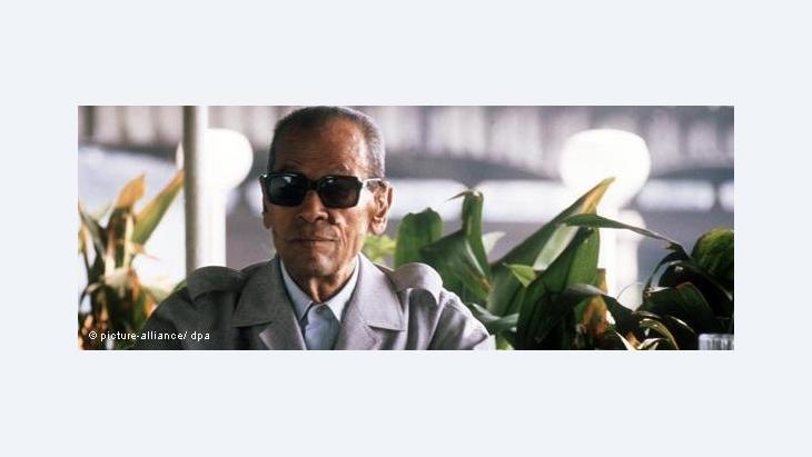 نجيب محفوظ يوم فوزه بجائزة نوبل 1988