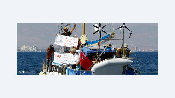 السلطات اليونانية تحاول عرقلة أسطول الحرية الثاني، كما يؤكد رامي عبدو.