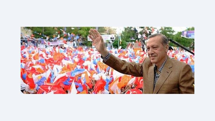 هناك من يرى أن أردوغان أضحى ملعم الشعوب العربية