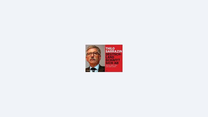 """غلاف كتاب تيلو زاراتسين """"ألمانيا تُلغي نفسها""""، الصورة ا.ب"""