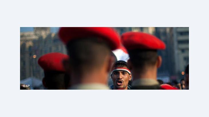 هل مازال المجلس العسكري في مصر يتعامل بذهنيات النظام السابق؟