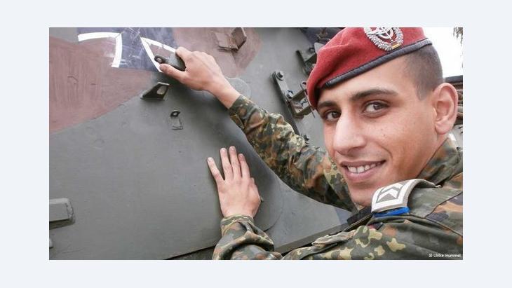شوقي عقيل جندي ألماني مسلم برتبة رقيب يخدم في الكتيبة اللوجيستية للجيش الألماني. DW