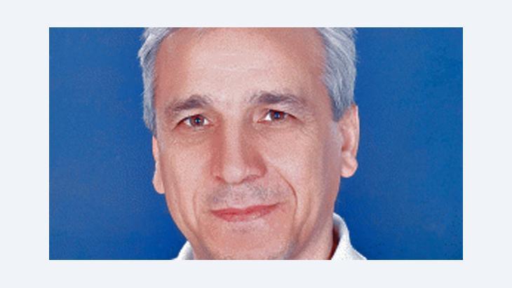 الكاتب والباحث السوري ياسين الحاج صالح الصورة الجريدة