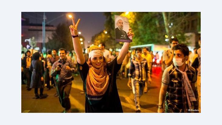 انصار روحاني يحتفلون بفوزه في طهران الصورة رويترز