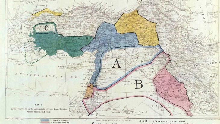 """أثار التمدّد المثير لتنظيم """"الدولة الإسلامية في العراق والشام"""" من سورية إلى العراق في العام 2013 وإعلانه قيام دولة «الخلافة» بعد عام من ذلك، الكثيرَ من التأويل حول نهاية اتفاق «سايكس- بيكو» البريطاني-الفرنسي الذي قسَّم الولايات المشرقية في الإمبراطورية العثمانية منذ ما يقرب من قرن مضى"""