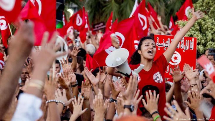 تجرية تونسية تحت مجهر التحليل... تونس لن تكون نموذجاً للعالم العربي