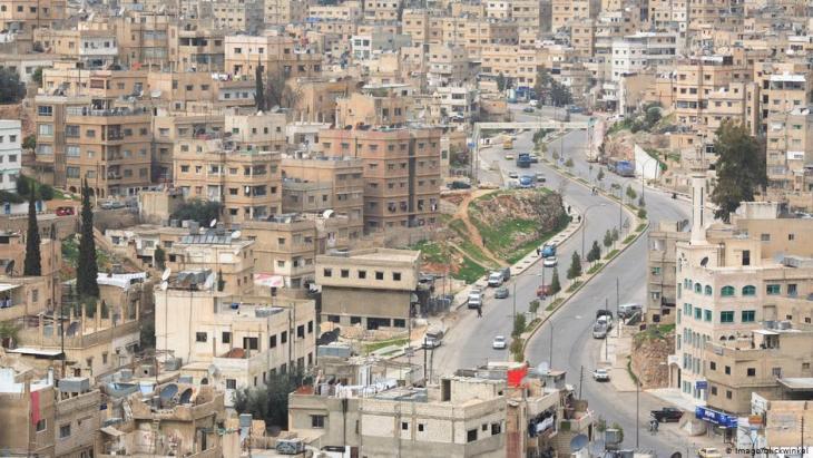 إحياء مدفع رمضان يعيد للأردنيين ذكريات زمن جميل وتقليد