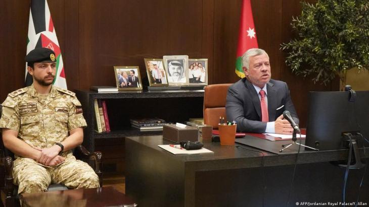 """أكد رئيس مجلس النواب الأردني، فيصل الفايز، اليوم الأحد أن الأردن حسم أمس السبت """"بشكل صارم"""" أي مساس بأمنه واستقراره."""
