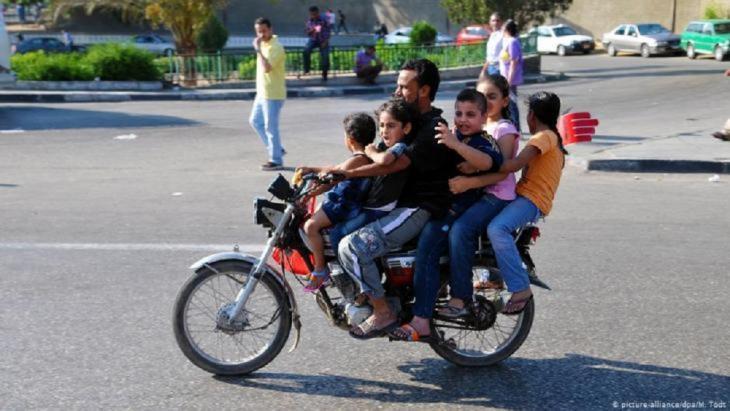 الزيادة السكانية تشكل أكبر تهديد لجهود التنمية فى مصر على الإطلاق، خاصة أن عدد السكان فى الداخل تضاعف ثلاث مرات خلال القرن الماضى.