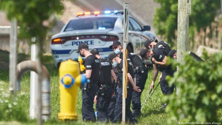 أفراد الأسرة الكندية المسلمة الأربعة قُتلوا دهسا بشاحنة صغيرة تخطت الرصيف يوم الأحد 06 / 06 / 2021 استُهدفوا عمدا بسبب دينهم.