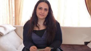 غمزة كوباسيك ابنة محمد كوباسيك أحد ضحايا النازيين الجدد. DW