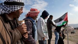 """ناشطون فلسطينيون نصبوا خيامهم في مخيم أسموه """"باب الشمس"""" في الضفة الغربية. د ب أ"""