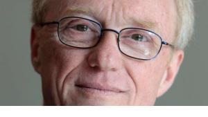 الكاتب الإسرائيلي البارز ديفيد غروسمان ا ب