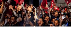 """""""تداعيات وتأثيرات الربيع العربي لن تقف عند حدود أقطار العالم العربي فقط إذ إن مطالب الحرية والكرامة والاحترام والعدالة الاجتماعية يتطلع إليها كل الناس في كل العالم"""""""