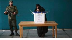 الانتخابات النيابية الإيرانية- تمثيلية سياسية ومهزلة انتخابية   الصورة رويترز