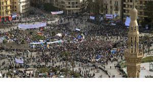 بروز يوم الجمعة كمحطة أساسية في الثورات العربية لا ينبغي اختزاله في البعد الديني