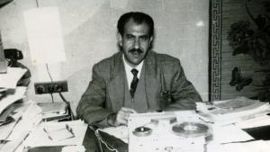 الصحفي اليهودي سليم البصون في مكتبه في مقر صحيفة الرأي العام العراقية سنة 1960. حقوق النشر David (Khedher) Basson