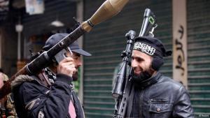 مقاتلان من المعارضة السورية