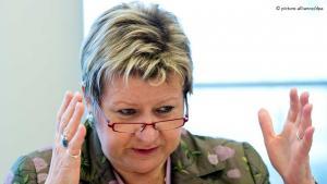 سيلفيا لورمان وزيرة التربية في ولاية شمال الراين ويستفاليا الألمانية غرب ألمانيا. Foto: picture-alliance/dpa