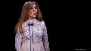 المطربة اللبنانية الكبيرة فيروز، صاحبة الصوت الشامل، الملائكي الصادح، تحتفل اليوم (الخميس 21 نوفمبر/ تشرين الثاني 2013) بعيد ميلادها الثامن والسبعين.