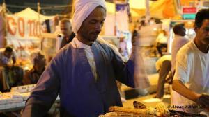 بائع متجول في القاهرة.   Photo: Abbas Alkhashali