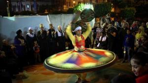 عرض التنورة في مهرجان الفن ميدان، بالقاهرة 2012.  Photographer : Lobna Tarek