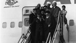 وصول آية الله الخميني إلى إيران في الأول من فبراير/ شباط 1979. Foto: © Getty Images/Afp/Gabriel Duval