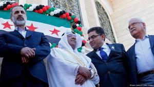 اجتماع المعارضة السورية واختيار معتز الخطيب رئيسا لها