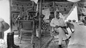 ماكس فون أوبنهايم في خيمته في سوريا عام 1929. Foto: Max Freiherr von Oppenheim Stiftung