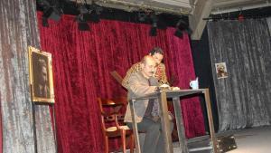"""لقطة من المسرحية الكردية """"آلام اللغة"""" - برلين. Foto: Jillian Hoppe"""