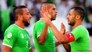 لاعبون من المنتخب الجزائري