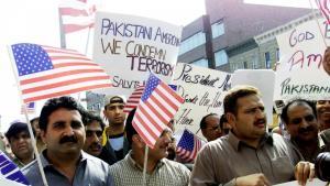 مظاهرات احتجاجية نظمها مسلمون في نيويورك عقب هجمات الحادي عشر من سبتمبر/  أيلول 2001 مندّدة بهذه الهجمات. Foto: Reuters