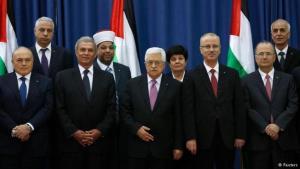 الرئيس الفلسطيني محمود عباس مع حكومة الوحدة الوطنية الفلسطينية. Foto: Reuters
