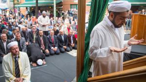 من مظاهرات المسلمين في ألمانيا من أجل العدالة وضد الكراهية والتطرف. Foto: Reuters/Hannibal