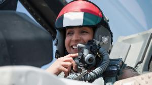 قائدة الطيارات الحربية مريم المنصوري. Foto: picture-alliance/abaca