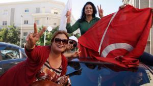 أنصار حزب نداء تونس 28 / 10 / 2014 في تونس العاصمة بعد فوز الحزب في الانتخابات. Foto: Reuters/Zoubeir Souissi