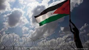 احتجاج فلسطيني في قرية بلعين ضد سياسة الاستيطان الإسرائيلية. Foto: dpa/picture-alliance