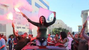 أنصار حزب نداء تونس يعبرون عن فرحتهم بالفوز الصورة د ب ا
