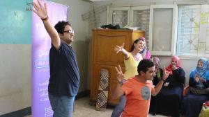 أحمد وسامي وشيرين أثناء أدائهم المسرحي. Foto: Elisabeth Lehmann