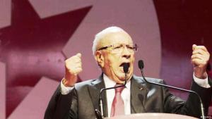 الرئيس التونسي الجديد الباجي قائد السبسي أمام أنصاره