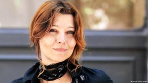 الكاتبة التركية أليف شفق