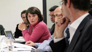 جنان توبتشو الصحفية الحرة في أحد النقاشات في ألمانيا. Foto: privat