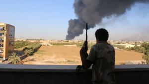 كتائب الزنتان في عمليات عسكرية في إحدى ضواحي طرابلس بتاريخ 03 / 08 / 2014. Foto: Reuters