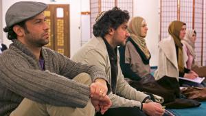 مسلمون ويهود في مسجد شهيدليك في برلين.  Foto: William Noah Glucroft