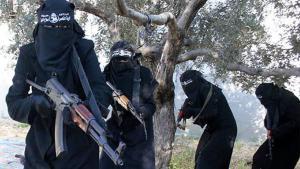 """نساء """"الدولة الإسلامية"""". Foto: dpa/picture-alliance/syriadeeply.org"""