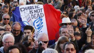 """مسيرة تضامنية مع ضحايا الهجوم على هيئة تحرير """"شارلي إيبدو"""".  Foto: picture-alliance/dpa"""